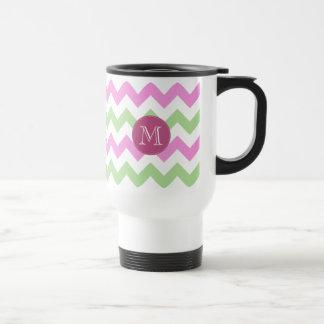 Puntadas verdes rosas claras del círculo del monog tazas de café