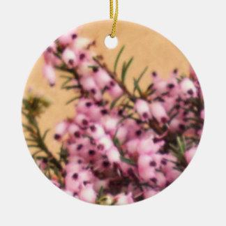 Puntillas del ornamento del brezo adorno navideño redondo de cerámica