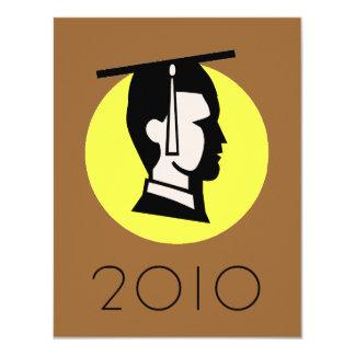 """Punto amarillo del graduado del varón invitación 4.25"""" x 5.5"""""""