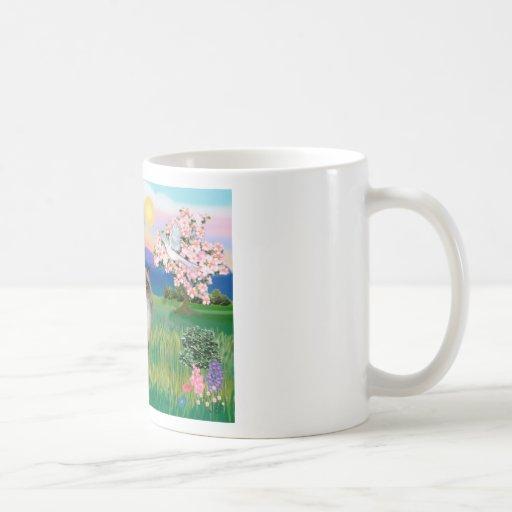 Punto del chocolate Himalayan - flores Taza Básica Blanca