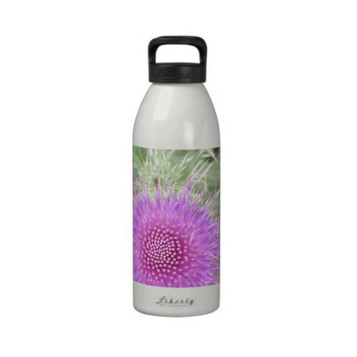 Punto púrpura botella de agua