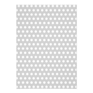 Puntos blancos en gris claro