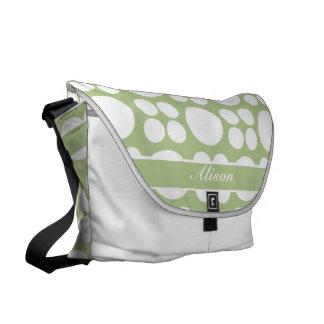 Puntos blancos personalizados en verde del brote bolsa messenger