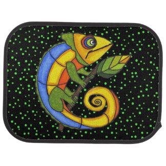 Puntos coloridos de la rama del lagarto de la alfombrilla de coche