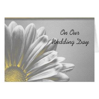 Puntos culminantes florales amarillos nuestra tarj tarjeta de felicitación