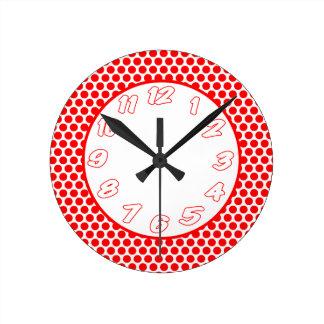 Puntos de polca blancos y rojos reloj