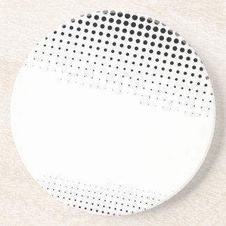 Puntos de semitono blancos y negros texturizados posavasos de arenisca