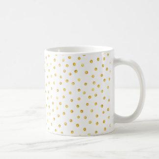 Puntos elegantes del confeti de la hoja de oro taza básica blanca