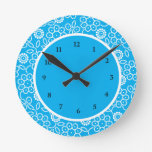 Puntos florales azules lindos relojes