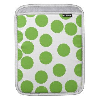 Puntos grandes del verde de guisante en blanco fundas para iPads