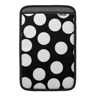 Puntos grandes en blanco y negro. funda  MacBook