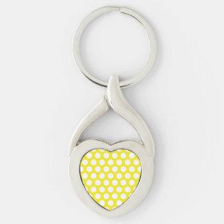 Puntos grandes en diseño amarillo llavero plateado en forma de corazón