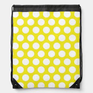 Puntos grandes en diseño amarillo mochilas