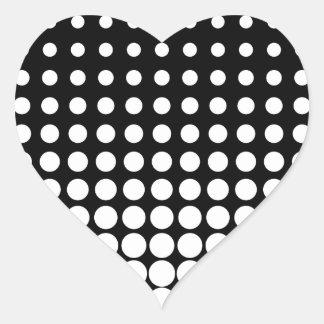 Puntos progresivos blancos y negros pegatina en forma de corazón