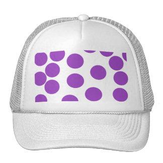 Puntos púrpuras grandes en blanco gorros