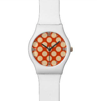 Puntos retros grandes - naranja y mandarín pálidos relojes de pulsera