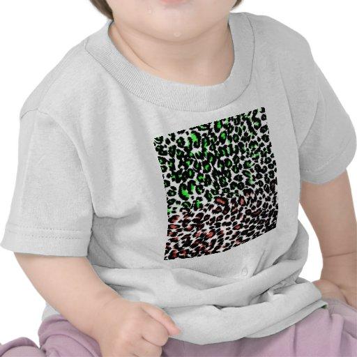 Puntos rojos y verdes del leopardo camiseta
