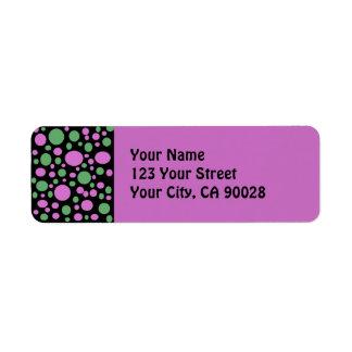 puntos rosados verdes etiqueta de remitente