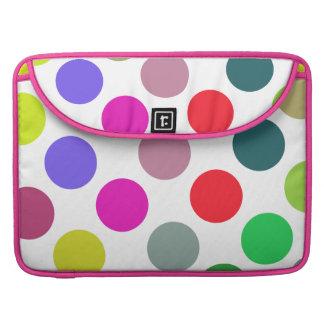 Puntos rosados y púrpuras grandes fundas macbook pro