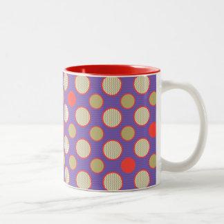 puntos y galón enrrollados del fiesta del tiempo tazas de café