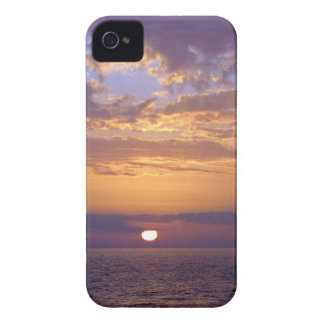 Puple Sunset iPhone 4 Case