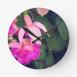 PUR-polarize Fuchsia Round Wallclock