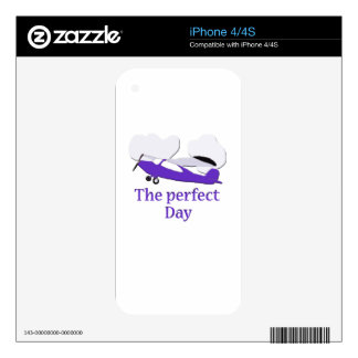 Purple airplane skin for the iPhone 4