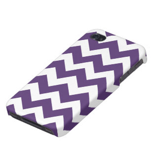 Purple and White Chevron Pattern iPhone 4 Covers