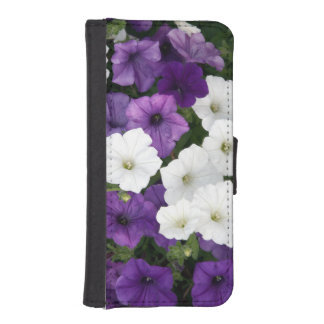 Purple and white petunias iPhone SE/5/5s wallet