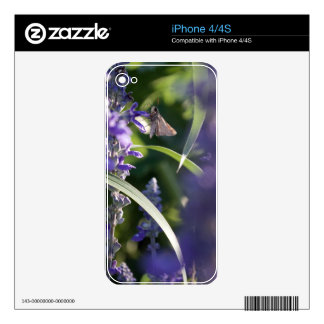 Purple Flowers with Moth Skins For The iPhone 4S