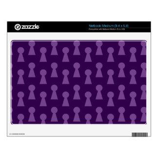 Purple keyhole pattern skin for medium netbook