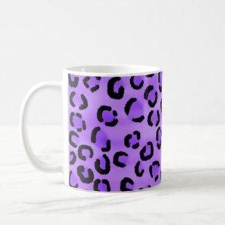 Purple Leopard Print Pattern. Mugs