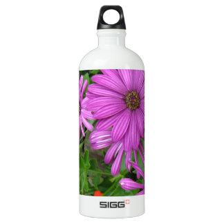 Purple petals amongst the greenery SIGG traveler 1.0L water bottle