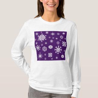 Purple snowflakes pattern T-Shirt