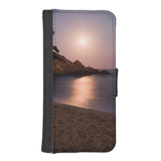 Purple Sunset beach Catalonia, Spain iPhone 5 Wallet