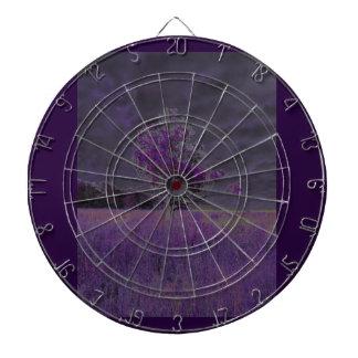Púrpura abstracta de la naturaleza y árbol y tabla dardos