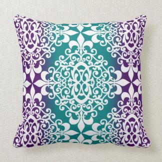Púrpura adornada y trullo Ombre del damasco Cojín