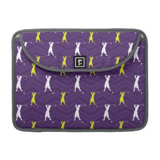 Púrpura, amarillo del oro, blanco, golfista del vi fundas para macbooks