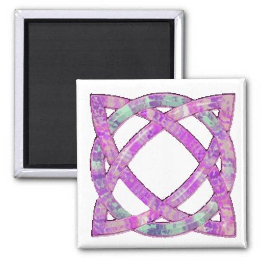Púrpura céltica del nudo 8 imán cuadrado