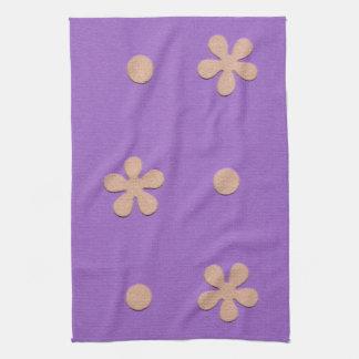 Púrpura con las flores amarillas y diseño de los toalla de cocina