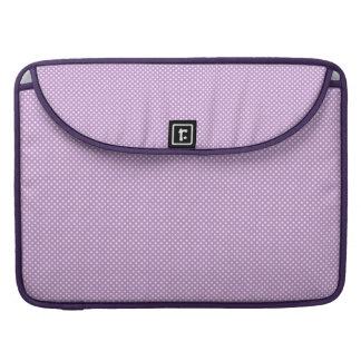 Púrpura con los puntos blancos simples funda para macbook pro