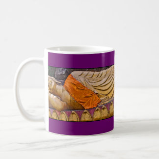 Púrpura de descanso de Buda Taza Clásica