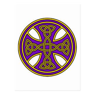 Púrpura de la armadura del doble de la cruz céltic tarjeta postal