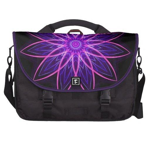 Púrpura de la flor del fractal - fractal floral ge bolsas para ordenador
