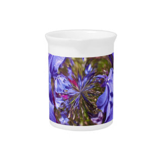 Púrpura de la flor en el globo jarrones