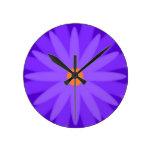 Púrpura de la floración relojes de pared