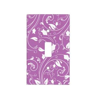 Púrpura de la lavanda, remolinos florales blancos; tapas para interruptores