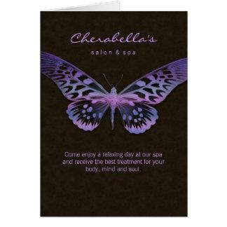 Púrpura de la mariposa de la tarjeta de felicitaci