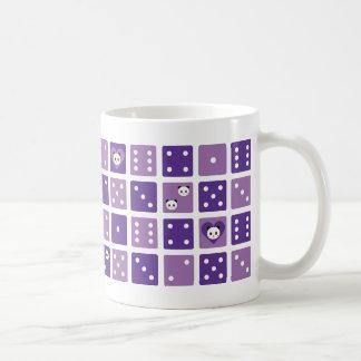 púrpura de la panda taza básica blanca