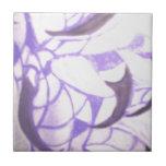 Púrpura de las plumas y de las garras de Eagle sol Teja Ceramica